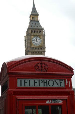 Den klassiske røde telefonboks, her med Big Ben i baggrunden.