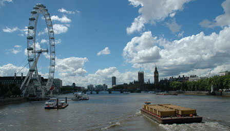 """Med den enorme """"ballongynge"""" London Eye har London på få år skabt et varetegn i samme kalbier som Eiffeltårnet. London tør.."""