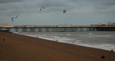 Kite surfere på Brighton Beach