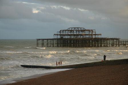 West Pier ligger i ruiner