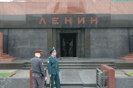 Lenin mausolæet er godt bevogtet