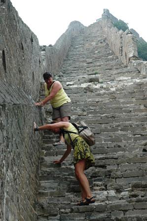 Flere steder må man klatre.