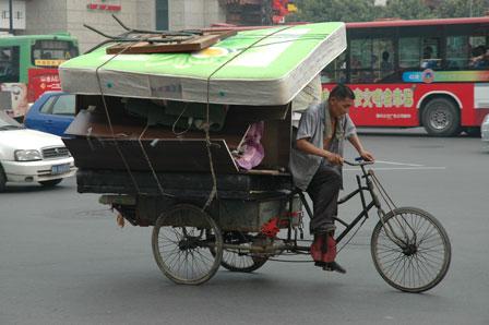 De kan også have meget på cyklen i Xian