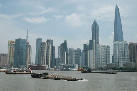 Hangpu River, det er kvælende varmt.