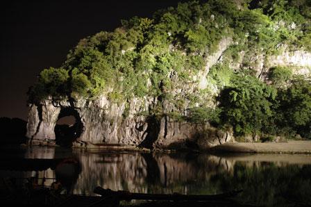 Elephant Hill i natten
