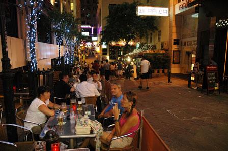 Fredag aften i Soho, Hong Kong Island.